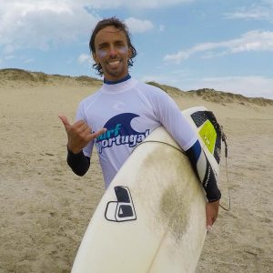 055110Miguel-surf-instructor.jpg