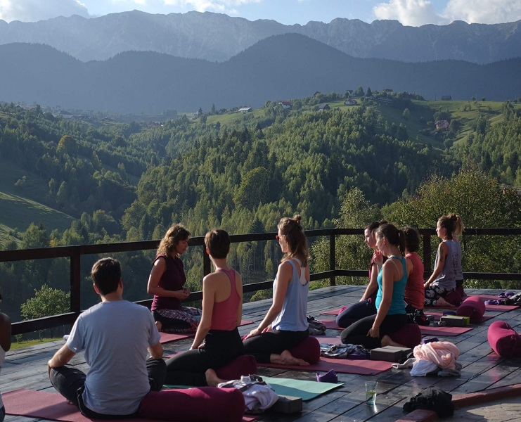 083447detox-and-yoga-retreats.jpg